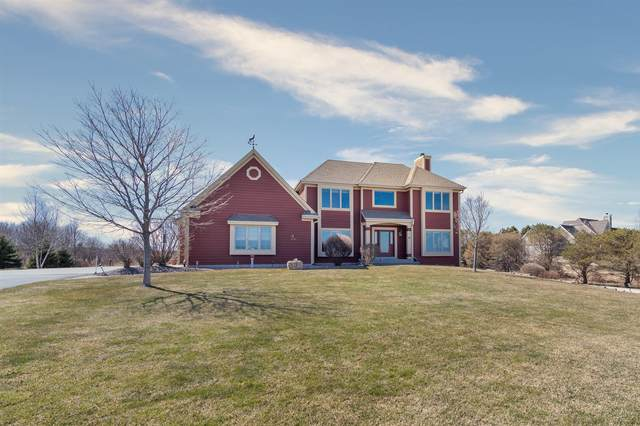 5225 Upper Lakeview Ridge Rd, Belgium, WI 53004 (#1733513) :: RE/MAX Service First