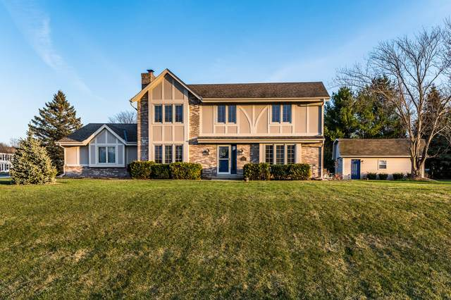 W232S5185 Hunters Hollow, Waukesha, WI 53189 (#1733663) :: RE/MAX Service First