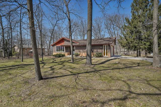 27132 Nottingham Dr, Dover, WI 53185 (#1733664) :: RE/MAX Service First