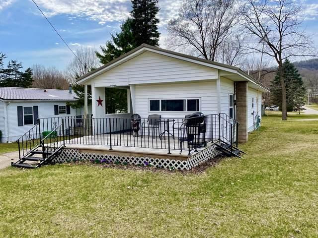 11795 Jay St, Trempealeau, WI 54661 (#1733698) :: OneTrust Real Estate