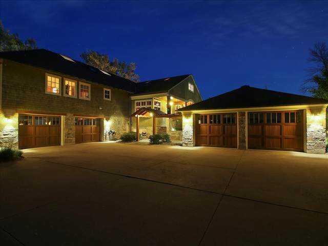 12138 N River Rd, Mequon, WI 53092 (#1733806) :: Tom Didier Real Estate Team