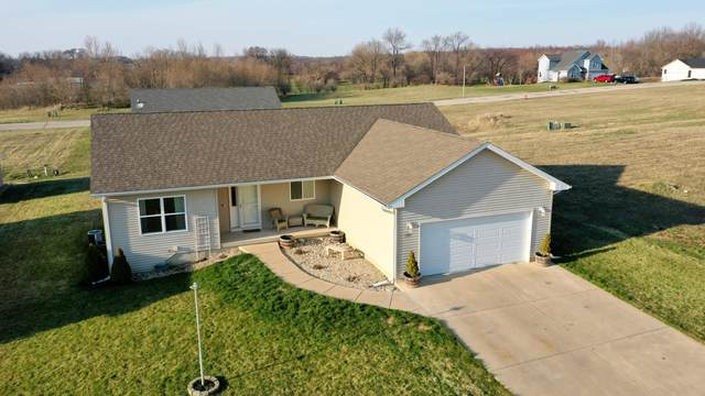 110 Rolling Meadow Dr, Darien, WI 53114 (#1734068) :: RE/MAX Service First