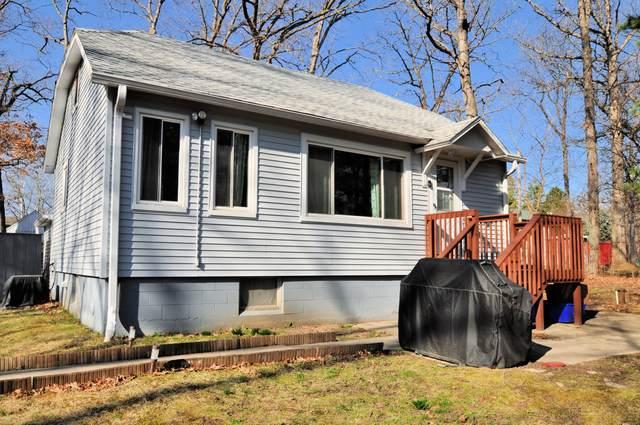 29916 Pinewood Dr, Burlington, WI 53105 (#1734077) :: Tom Didier Real Estate Team