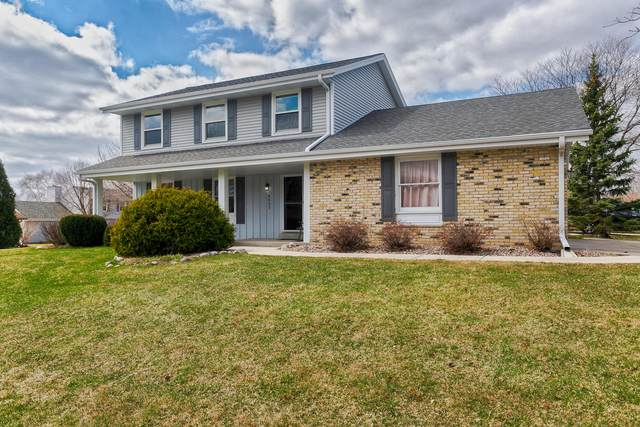 4435 S Regal Manor Dr, New Berlin, WI 53151 (#1734096) :: RE/MAX Service First