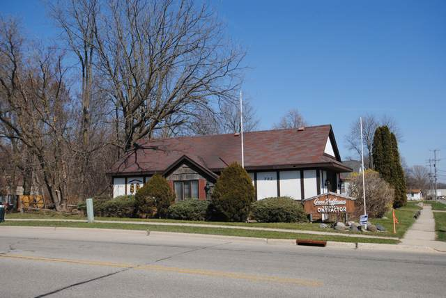 200 E Centralia St, Elkhorn, WI 53121 (#1734118) :: RE/MAX Service First