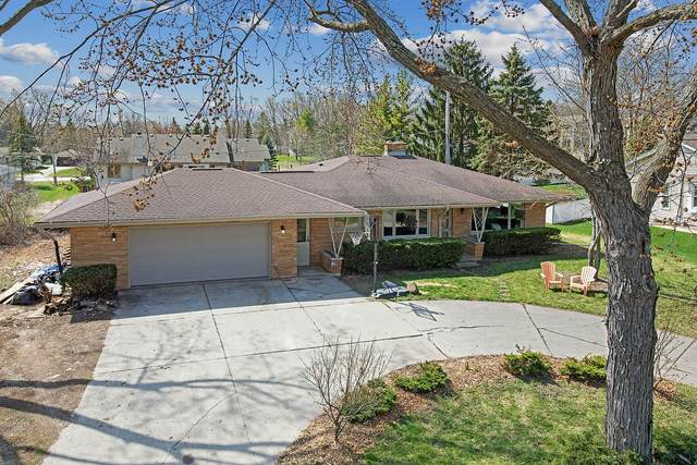 14599 W Cleveland Ave, New Berlin, WI 53151 (#1734218) :: RE/MAX Service First