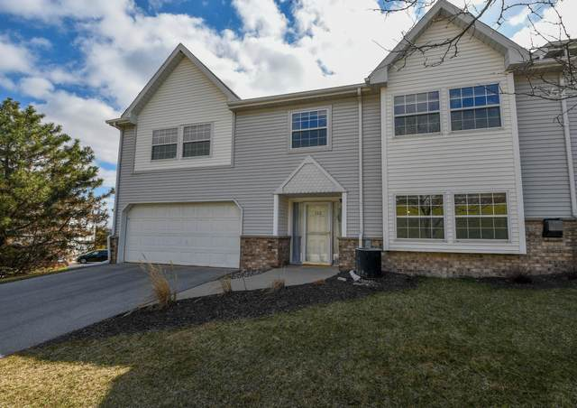 330 Dustin Dr, Brookfield, WI 53045 (#1734232) :: OneTrust Real Estate