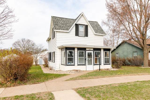 209 6th Ave N, Onalaska, WI 54650 (#1734296) :: RE/MAX Service First