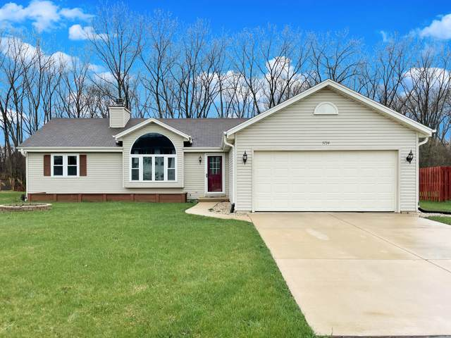 5734 Randal Ln, Caledonia, WI 53402 (#1734307) :: RE/MAX Service First