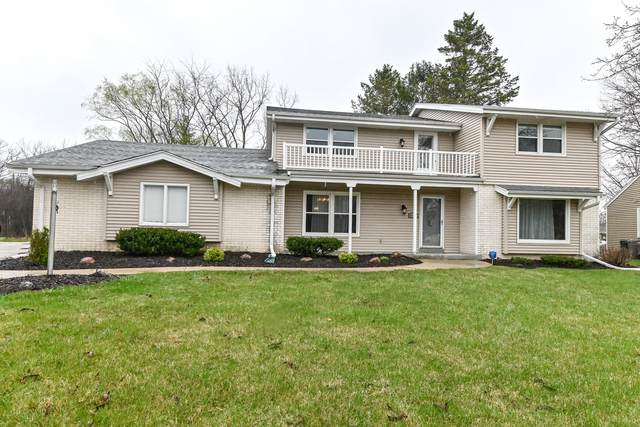 3315 W Burgundy Ct, Mequon, WI 53092 (#1734359) :: EXIT Realty XL