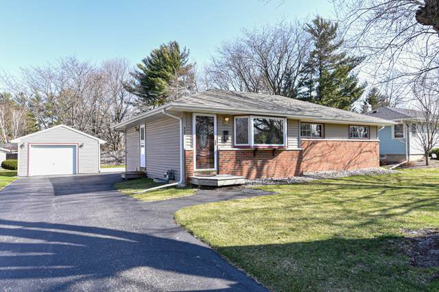 236 W Second Ave, Elkhorn, WI 53121 (#1734369) :: RE/MAX Service First