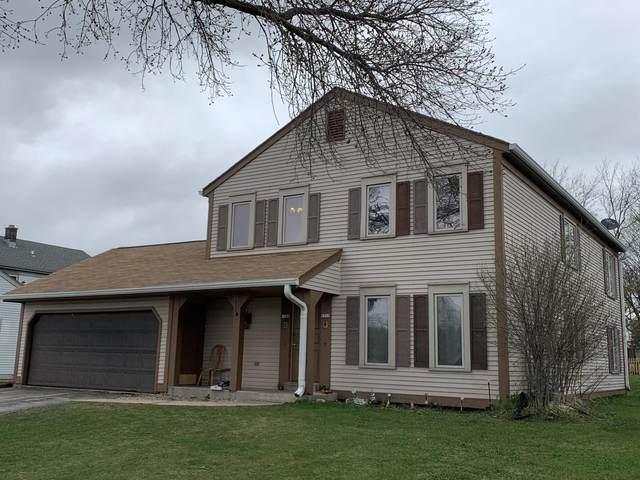 1708 E Sunset Dr, Waukesha, WI 53186 (#1734416) :: RE/MAX Service First