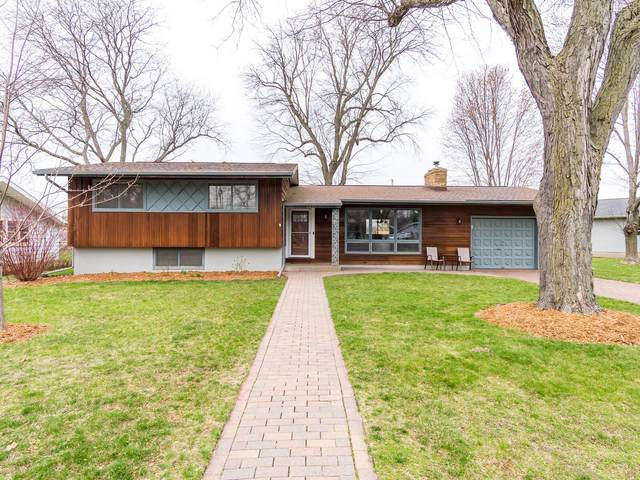 2220 Redwood Ct, Shelby, WI 54601 (#1734418) :: RE/MAX Service First