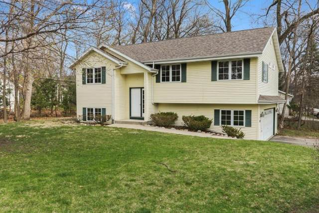 340 Frost Dr, Williams Bay, WI 53191 (#1734426) :: RE/MAX Service First