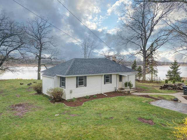 7946 E Long Lake Dr, Norway, WI 53185 (#1734521) :: EXIT Realty XL