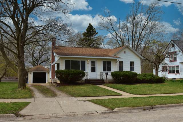 228 S Ridge St, Whitewater, WI 53190 (#1734538) :: Keller Williams Realty - Milwaukee Southwest