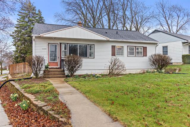 4142 S Mccarty Ave, Saint Francis, WI 53235 (#1734624) :: RE/MAX Service First