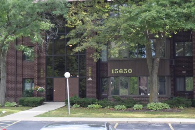 N85W15650 Ridge Road #103, Menomonee Falls, WI 53051 (#1734625) :: RE/MAX Service First