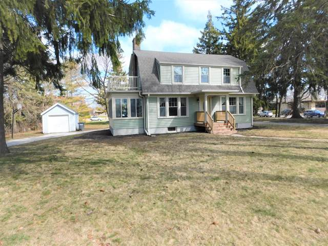 2106 Erie Ave, Sheboygan, WI 53081 (#1734626) :: RE/MAX Service First