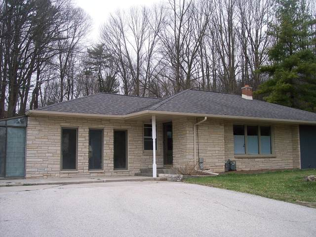 604 N 44th St, Manitowoc, WI 54220 (#1734678) :: RE/MAX Service First