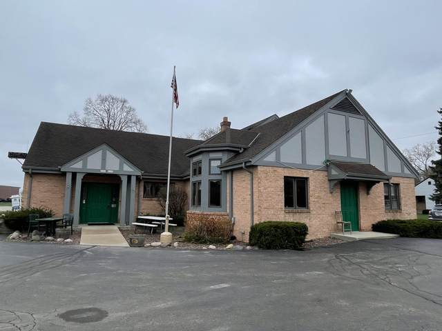 6191 N Green Bay Ave, Glendale, WI 53209 (#1734711) :: RE/MAX Service First