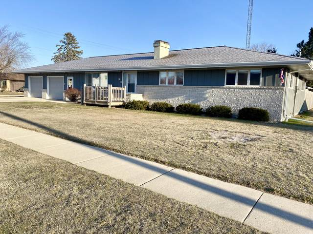 611 Washington St, Mishicot, WI 54228 (#1734720) :: RE/MAX Service First