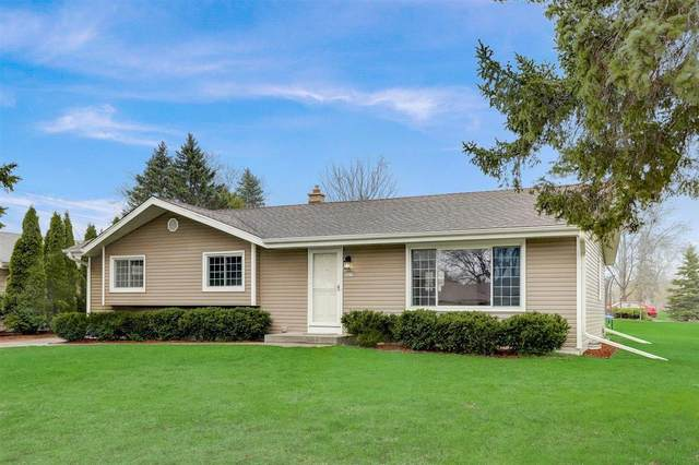 3875 W Mangold Ave, Greenfield, WI 53221 (#1734807) :: RE/MAX Service First