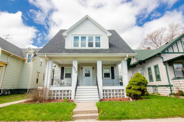 1022 Hayes Ave, Racine, WI 53405 (#1734858) :: RE/MAX Service First