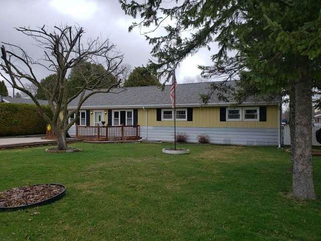 951 S 36th St, Manitowoc, WI 54220 (#1734860) :: RE/MAX Service First
