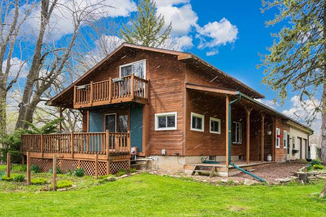 3933 Evergreen Ln, Fredonia, WI 53021 (#1734954) :: OneTrust Real Estate