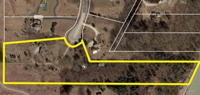 415 Lake Bluff Ln, Grafton, WI 53024 (#1734960) :: Tom Didier Real Estate Team