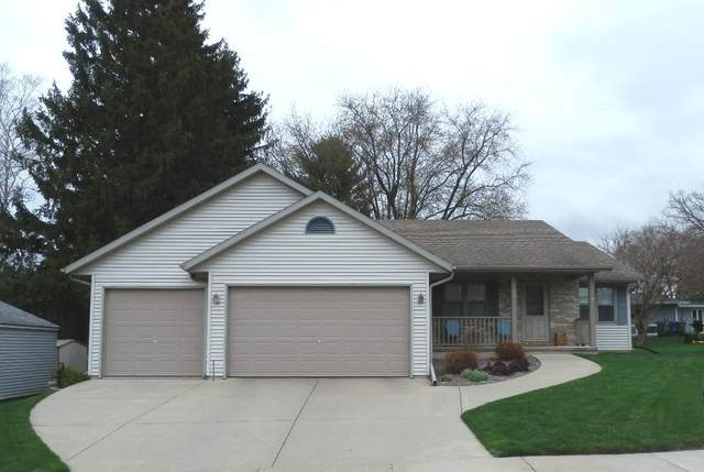 206 Mary St, Watertown, WI 53094 (#1735052) :: EXIT Realty XL