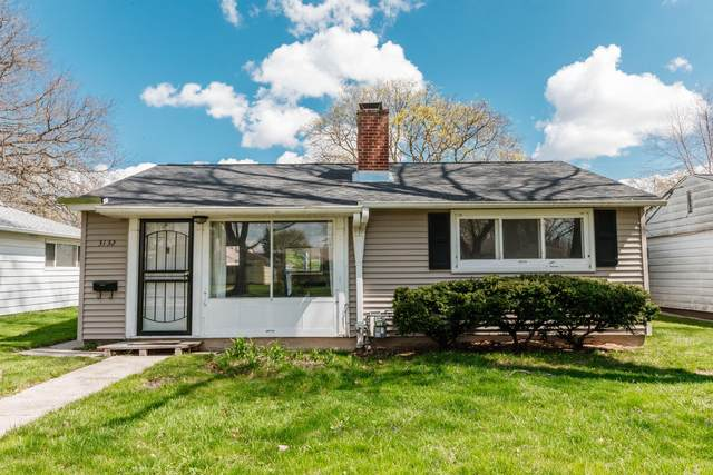 3132 N 83rd St, Milwaukee, WI 53222 (#1735053) :: RE/MAX Service First