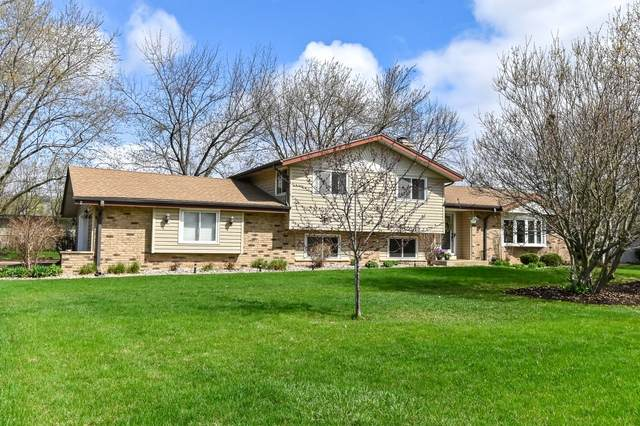 13420 Burlawn Pkwy, Brookfield, WI 53005 (#1735079) :: EXIT Realty XL