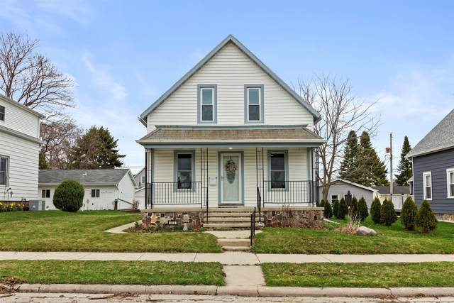 518 W Foster St, Port Washington, WI 53074 (#1735196) :: RE/MAX Service First