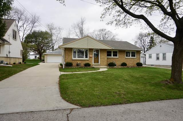 3773 S 68th St, Milwaukee, WI 53220 (#1735211) :: RE/MAX Service First