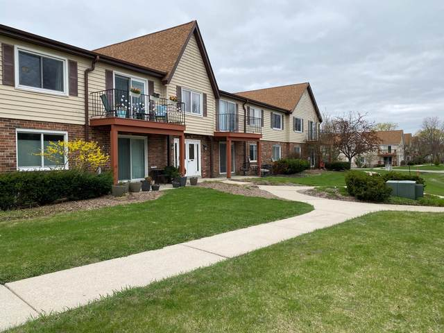 10640 N Ivy Ct #13, Mequon, WI 53092 (#1735275) :: Tom Didier Real Estate Team