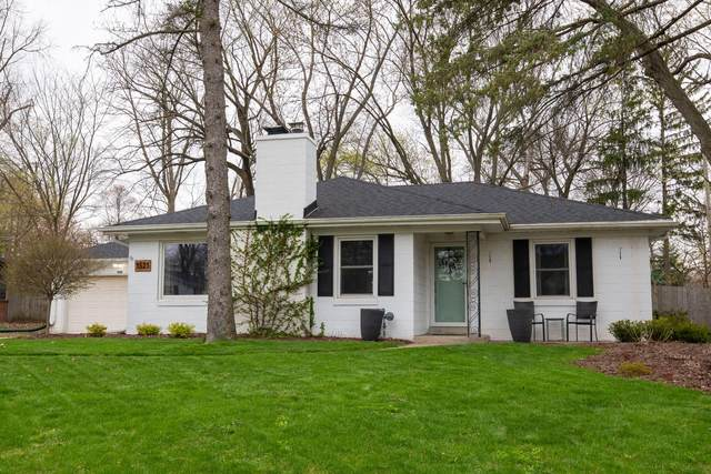 1521 N 121st St, Wauwatosa, WI 53226 (#1735288) :: Keller Williams Realty - Milwaukee Southwest