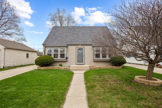 2113 Blaine Ave, Racine, WI 53405 (#1735342) :: RE/MAX Service First