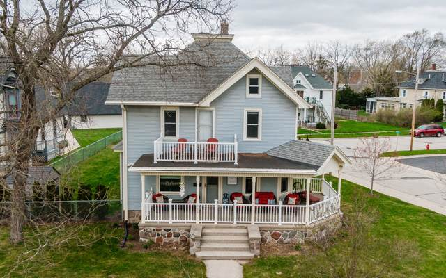 229 Grand Ave, Mukwonago, WI 53149 (#1735398) :: EXIT Realty XL