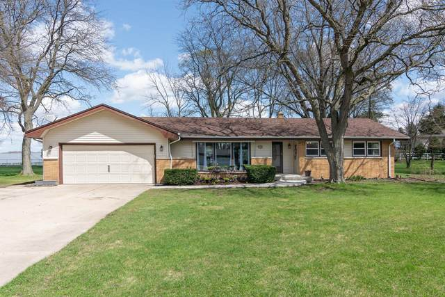 6280 S Baas Dr, New Berlin, WI 53146 (#1735420) :: RE/MAX Service First