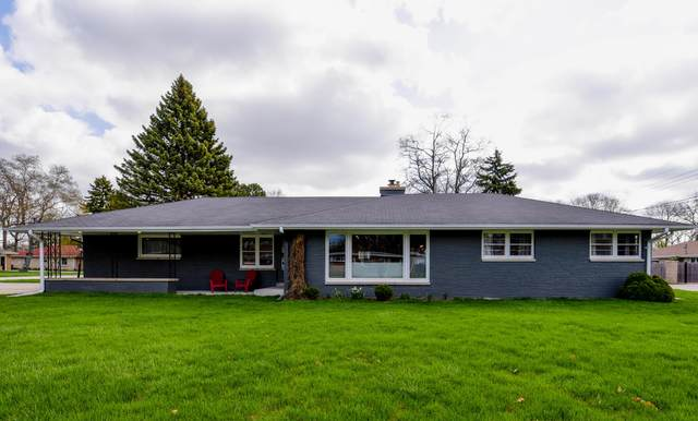 3351 W Vogel Ave, Greenfield, WI 53221 (#1735429) :: RE/MAX Service First