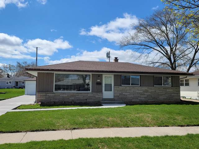 7729 W Burdick Ave, Milwaukee, WI 53219 (#1735436) :: RE/MAX Service First