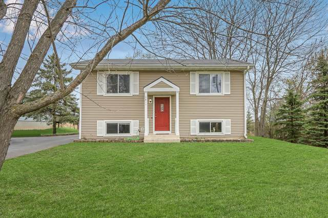 6811 235th Ave, Paddock Lake, WI 53168 (#1735475) :: RE/MAX Service First