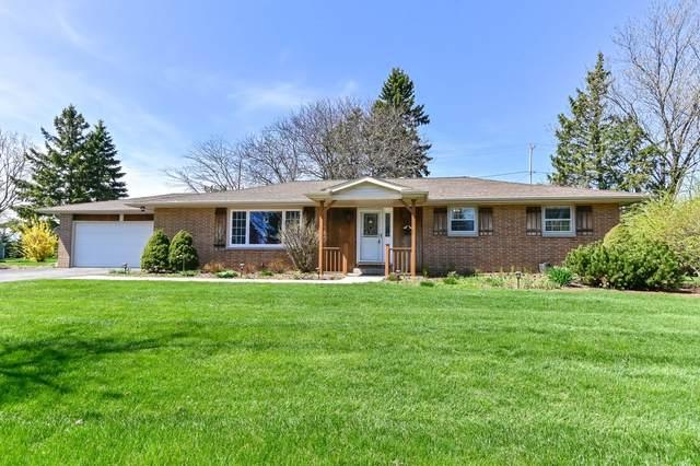 525 Hillcrest Dr, Brookfield, WI 53186 (#1735551) :: Tom Didier Real Estate Team