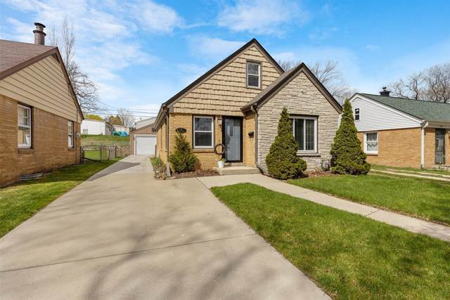 736 Indiana St, Racine, WI 53405 (#1735649) :: EXIT Realty XL