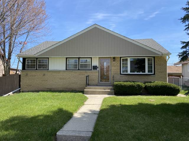 3940 S 5th Pl, Milwaukee, WI 53207 (#1735666) :: EXIT Realty XL