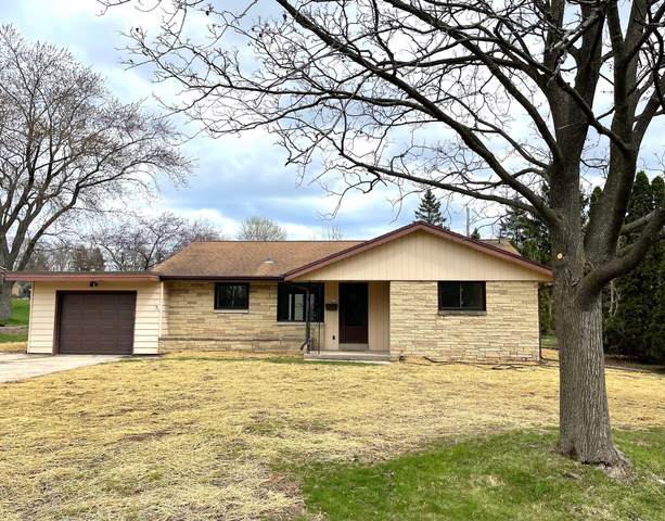 216 Kenwood Dr, Thiensville, WI 53092 (#1735684) :: EXIT Realty XL