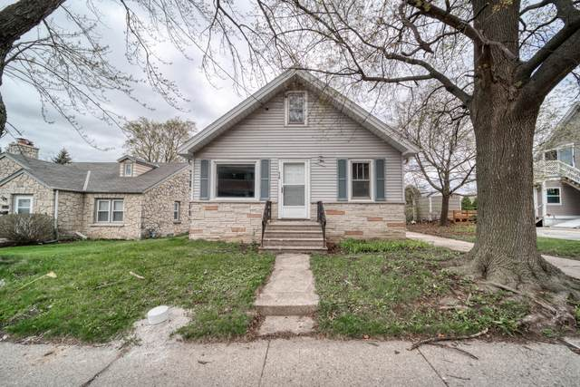 718 Lawndale Ave., Waukesha, WI 53188 (#1735698) :: Tom Didier Real Estate Team