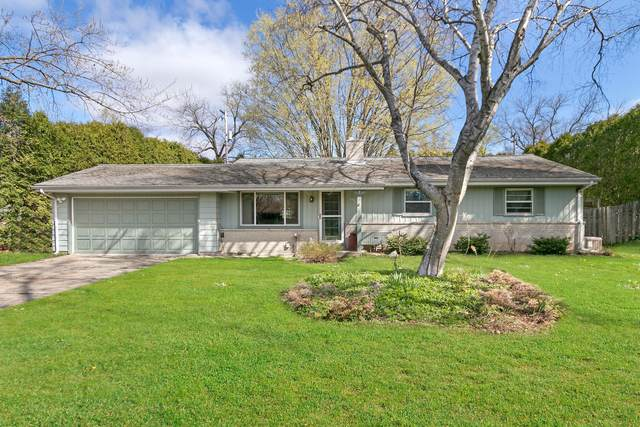3026 South St, East Troy, WI 53120 (#1735702) :: Tom Didier Real Estate Team
